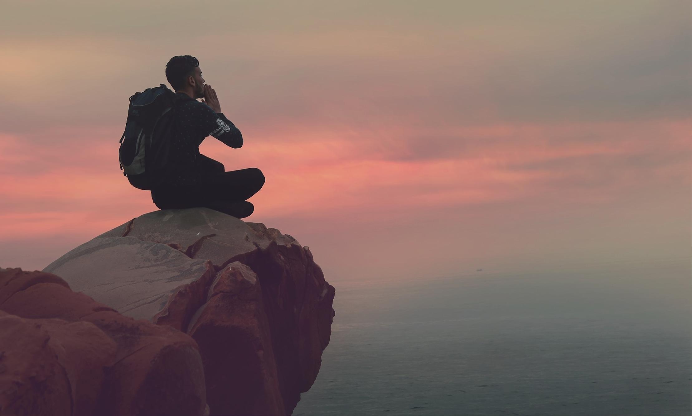 Reiziger op de berg praktijk voor acupunctuur Celestien